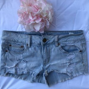 American Eagle distressed shorts GUC size 4